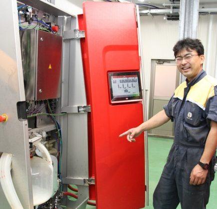 搾乳ロボや自動換気システム備えた牛舎を建設